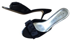 White House | Black Market Kitten Heel Heels Work Bow Black Pumps