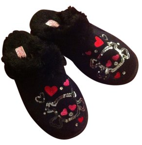 Fuzzy Hearts Black with skeleton design Flats