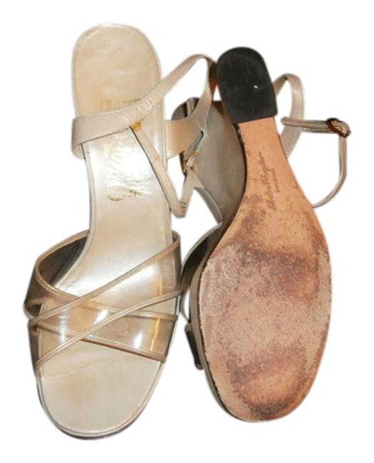 Item - Neutral With Chunky Heals Great with Jeans Or A Sundress Sandals Size US 7.5 Regular (M, B)