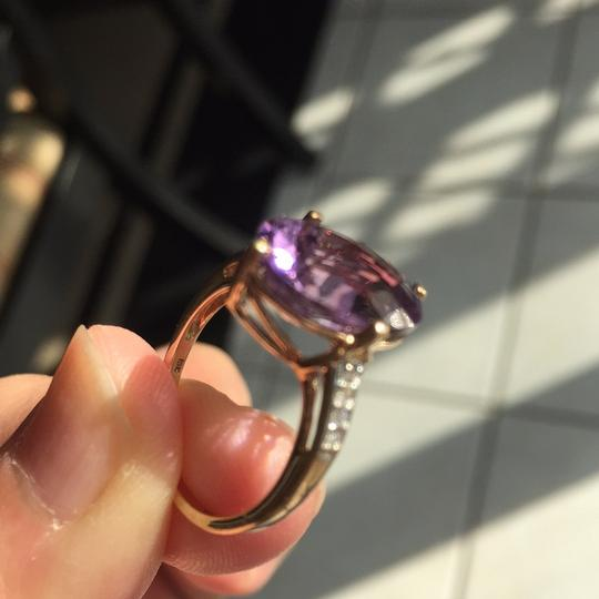 10K Gold oval genuine amethyst ring Genuine Amethyst in 10K Gold with real diamond on the side. Image 8