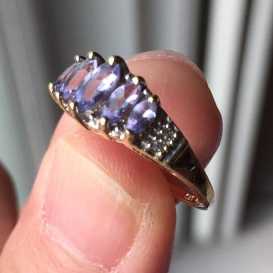 Genuine Amythst in 10K yellow gold ring. Size: 4.75 Image 3