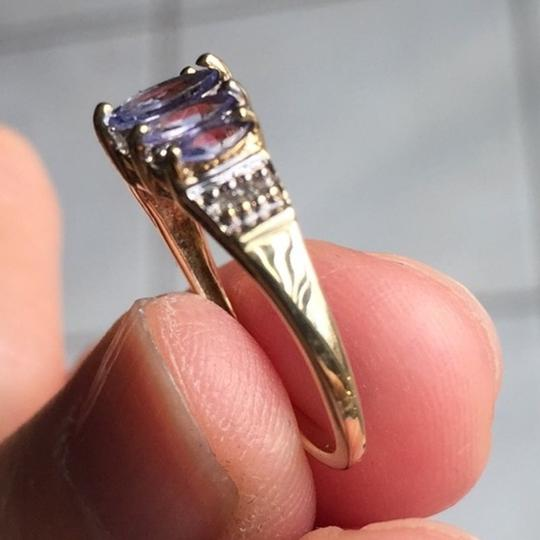 Genuine Amythst in 10K yellow gold ring. Size: 4.75 Image 8