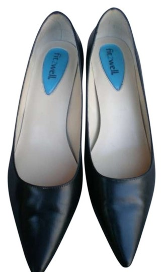 Preload https://item2.tradesy.com/images/fitzwell-black-pumps-size-us-8-143526-0-0.jpg?width=440&height=440