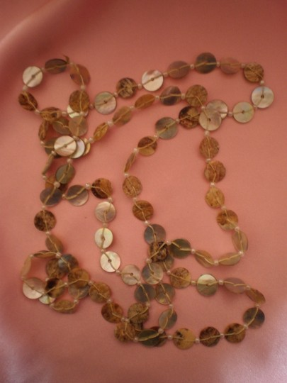 Unknown Mother of pearl necklace