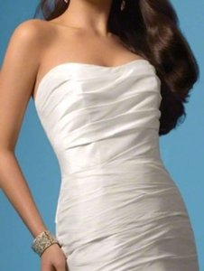 Alfred Angelo Diamond White Taffeta 2034 Traditional Wedding Dress Size 14 (L)