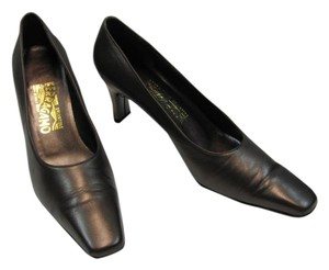 Salvatore Ferragamo Size 8aa COPPERISH/ BROWN Pumps