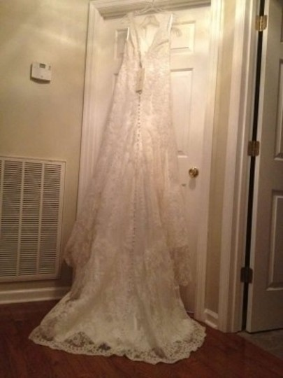 Preload https://img-static.tradesy.com/item/143543/allure-bridals-ivory-lace-style-8825-vintage-wedding-dress-size-8-m-0-0-540-540.jpg