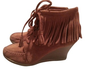 Minnetonka Fringe Moccasin Wedgies Brown Boots