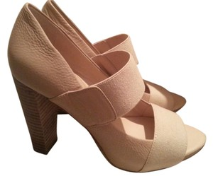 Banana Republic Tan Single Strap New Nude Pumps