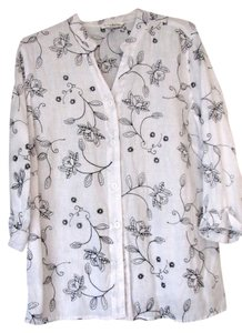 Susan Bristol Linen 3/4 Sleeve 1 Plus Top white with black embroidery