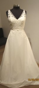St. Patrick San Patrick Hach Bridal Dress (48s) Wedding Dress