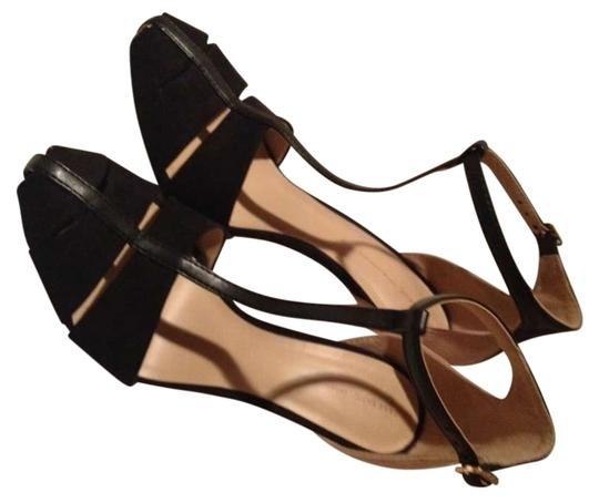 Preload https://item5.tradesy.com/images/zara-black-and-tan-nude-pumps-size-us-9-143579-0-0.jpg?width=440&height=440