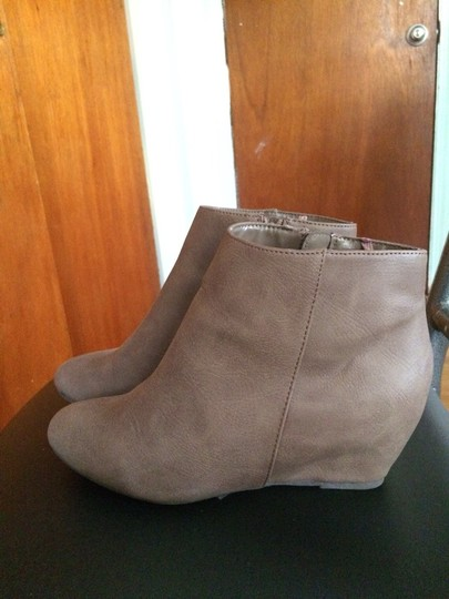 Express Gray Wedges