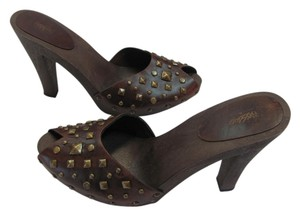 Mossimo Supply Co. Size 9.50 M Good Condition Brown Sandals