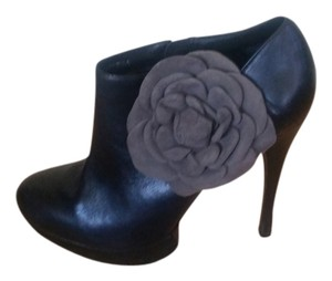 Kelsi Dagger High Heel Accent Black with Grey Flower Boots