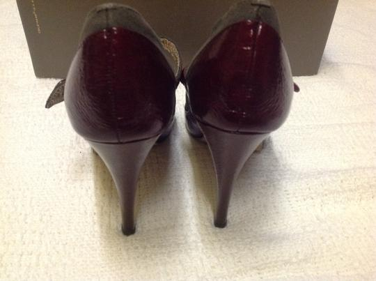 Dolce Vita Burgundy and Gray Pumps Image 4