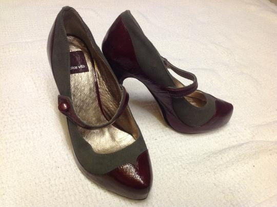 Dolce Vita Burgundy and Gray Pumps Image 6