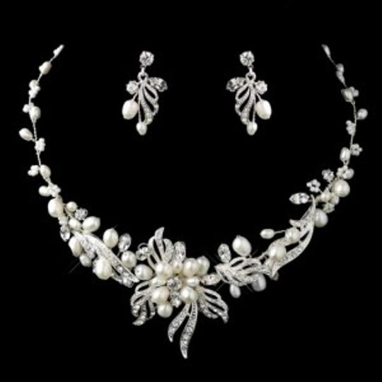 Preload https://item2.tradesy.com/images/elegance-by-carbonneau-silver-freshwater-pearl-crystal-jewelry-set-143621-0-0.jpg?width=440&height=440