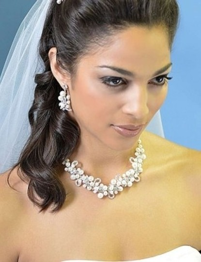 Preload https://img-static.tradesy.com/item/143625/ansonia-bridal-silver-freshwater-pearl-jewelry-set-0-0-540-540.jpg