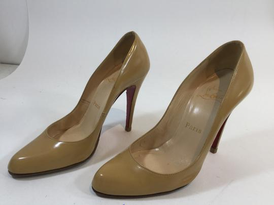 Christian Louboutin Decollete Nude Beige Tan Pumps