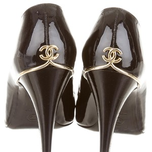 Chanel Patent Leather Hardware Black, Gold Pumps