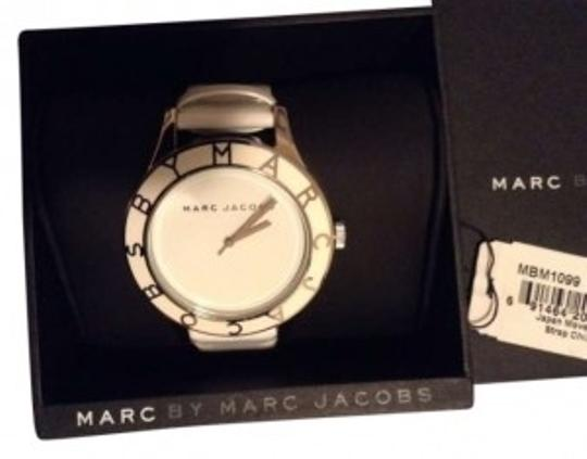 Preload https://item3.tradesy.com/images/marc-by-marc-jacobs-white-women-s-watch-143652-0-0.jpg?width=440&height=440