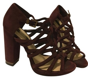 BCBGMAXAZRIA Bcbg High Heel Heel Gold Burgundy Sandals