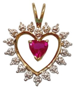10K 10KT SOLID YELLOW GOLD DIAMOND PENDANT WITH GARNET STONE