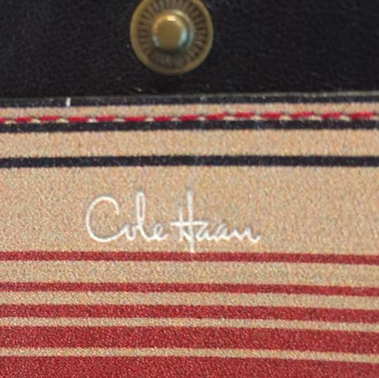 Cole Haan 2 Interior Pockets For Cash And Other Items Image 2