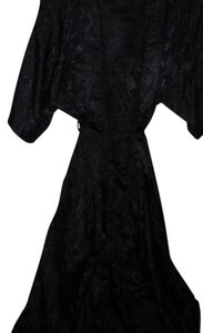 Other Black monochrom floral emellished pegnoir bathrobe robe & nightgown lingerie hostess loungewear