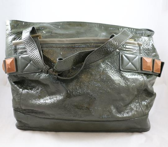 Chloé Audra Patent Leather Green Tote in Olive
