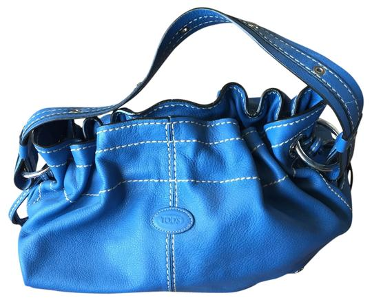 Preload https://img-static.tradesy.com/item/14376130/tod-s-blue-leather-tote-0-1-540-540.jpg