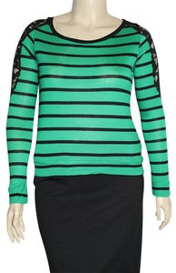 One Step Ahead Top Green/Black