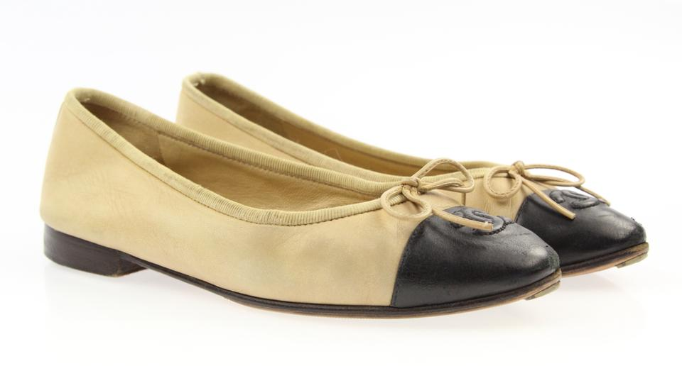3349269554b Chanel Nude and Black Cc Cap Toe Ballet Flats Size EU 35 (Approx. US ...