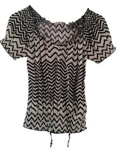 Belle du Jour Casual Striped Chevron Boho Preppy Top Black and white