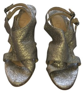 LD Tuttle Cracked Pewter Sandals