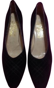 Salvatore Ferragamo Leather Vintage Round Toe Black/navy blue Pumps
