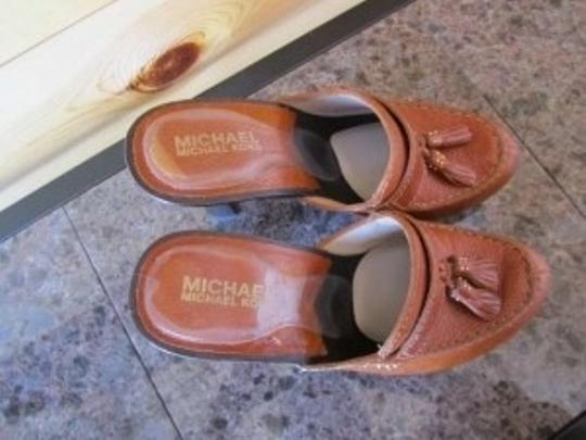 Michael Kors Heal Conuac Tassel Gold Saddle Loafer Leather Nail Head Brown Mules