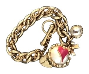 Betsey Johnson Betsey Johnson Heart bracelet