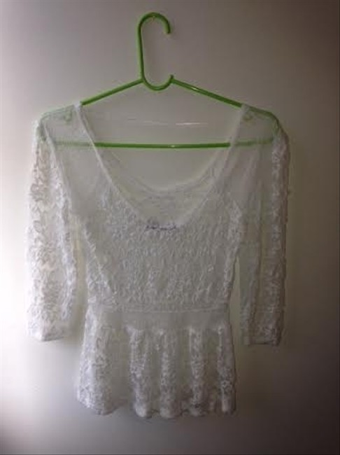 Hot Kiss Top White Lace