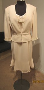 Daymor Couture Champagne Crepe 8025 (Day-5) Formal Bridesmaid/Mob Dress Size 12 (L)