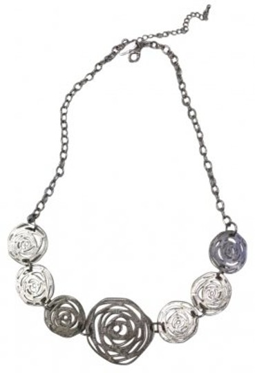 New York & Company Great In-Style Silver Floral Necklace Chain
