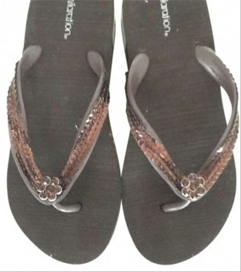 Xhilaration Brown Sandals