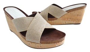 Donald J. Pliner Natural Wedges