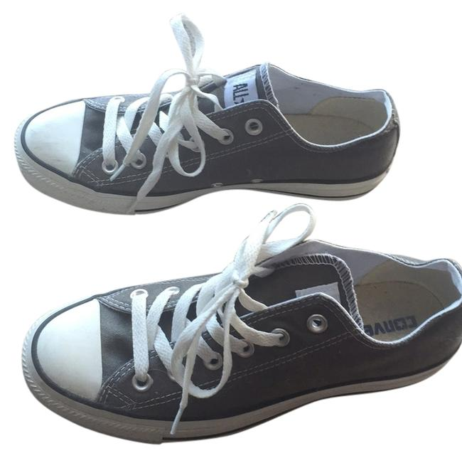 Item - Gray Sneakers Size US 8.5 Regular (M, B)