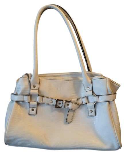 Preload https://item4.tradesy.com/images/croft-and-barrow-white-faux-leather-satchel-1441038-0-0.jpg?width=440&height=440
