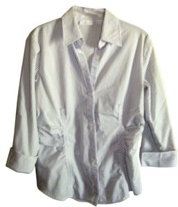 New York & Company & Size M 3/4 Sleves Stretch And Fitted Button Down Shirt Black & white stripes