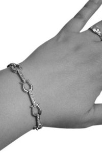 Kay Jewelers Sterling Silver Horse Shoe Bracelet with Diamond Accents