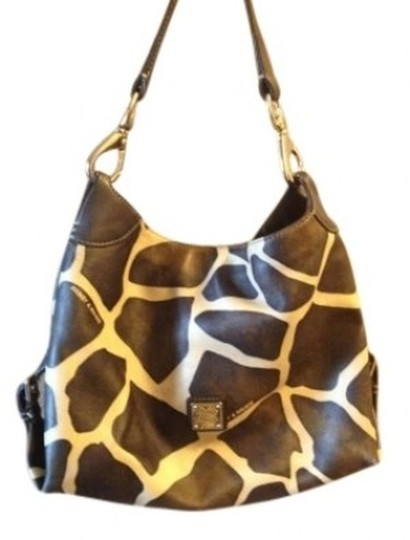 Preload https://item1.tradesy.com/images/dooney-and-bourke-large-excellent-condition-serial-j7679362-measures-9-dark-brown-giraffe-print-leat-144165-0-0.jpg?width=440&height=440