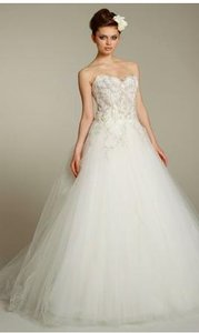 Lazaro Ivory Tulle Ball Gown 3152 Traditional Wedding Dress Size 6 (S)